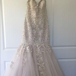Allure Bridal Wedding Gown
